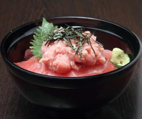 ネギトロ鉄火丼