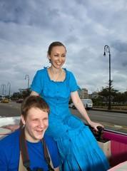 happy people go in cabriolet