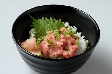 小さなネギトロ丼