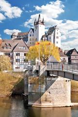 Alte Brücke und Grafenschloss in Diez an der Lahn