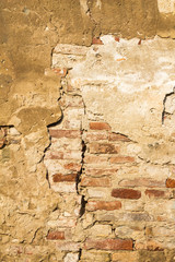 Fissure in the wall
