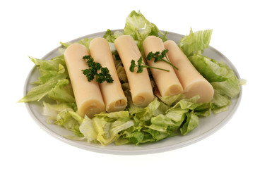 Assiette de cœurs de palmier sur lit de salade