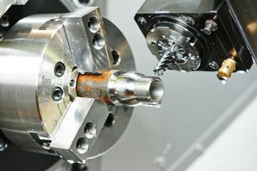 milling process of metal on machine tool