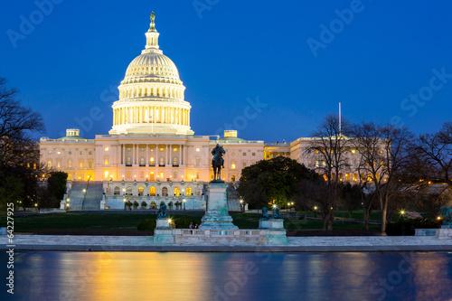 Leinwanddruck Bild US Capitol Building dusk