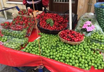Seyyar Meyve Satıcısı