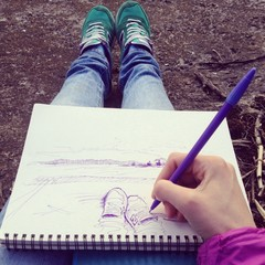 Drawing a sketch of legs
