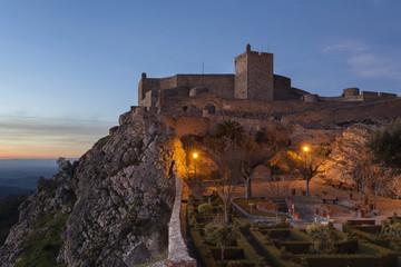 Anoitece no Castelo de Marvao no Alentejo