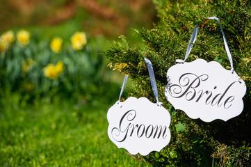 Spring wedding bride and groom decoration boards