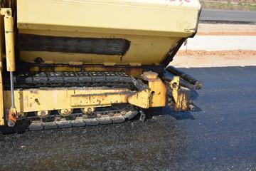 rueda de cadenas de un vehiculo oruga para la construccion