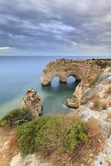 Praia da marinha no Algarve, costa Sul de Portugal