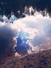 Wolken in Wasser