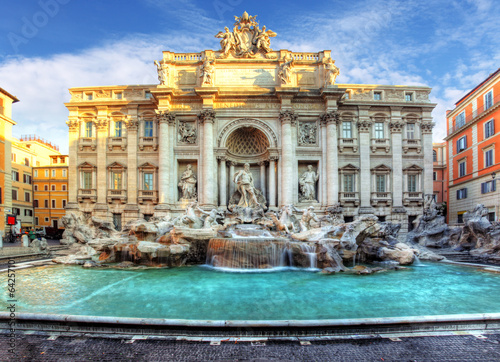 Trevi Fountain, rome, Italy. - 64257101