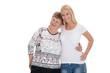 Enkeltochter und Großmutter isoliert