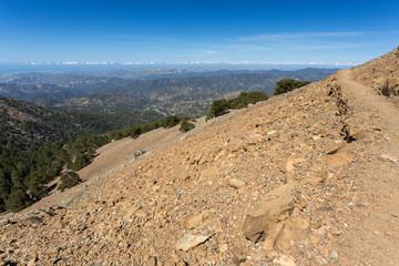 Sentier de randonnée au sommet du mont Olympe
