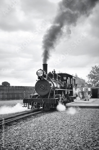 Steam train - 64278164