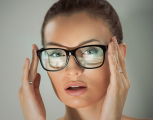 Woman glasses virtual interface built-in screen
