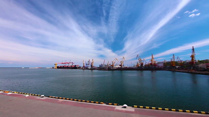 kind on freight marine port