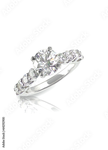 Leinwanddruck Bild Beautiful diamond wedding engagment band ring solitaire with mul