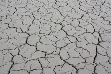 Rissiger Boden