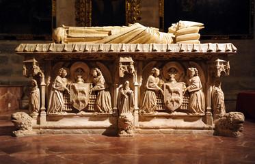 Sarcófago gótico, catedral de Sevilla, España