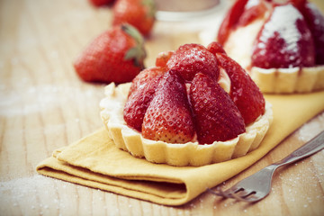Tart with fresh strawberries