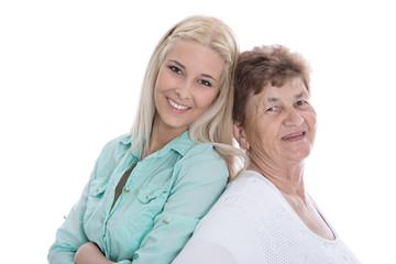 Glückliche Mutter und Tochter freigestellt auf Weiß
