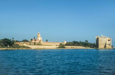 Abtei und Festung auf der Ile St. Honorat