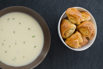 Potato soup with garlic buns