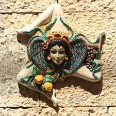 Ceramica artistica, simbolo delle trinacria