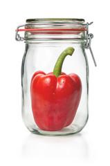 Frische Paprikaschote in einem Einmachglas