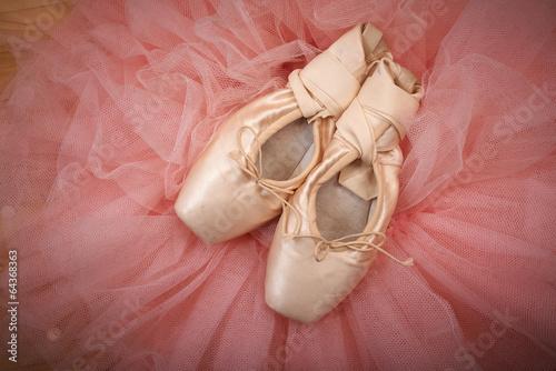 Keuken foto achterwand Dance School pair of ballet shoes pointes on wooden floor