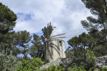 moulin barbentane