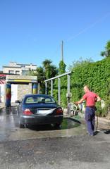 Prelavaggio con idropulitrice