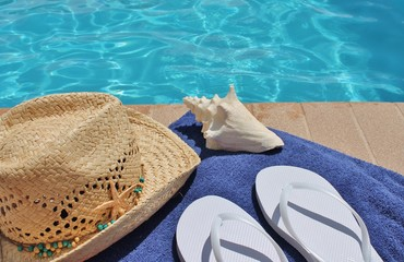 Poolside holiday scenic straw hat conch shell