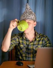 tinfoil hat against mass media