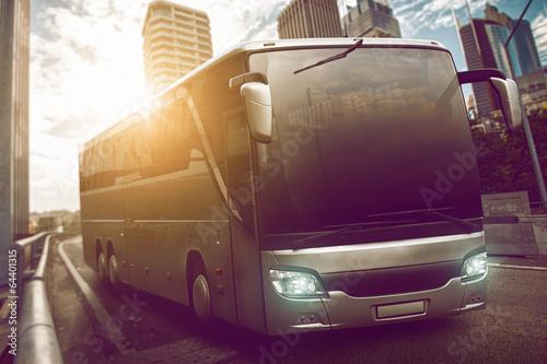 Leinwanddruck Bild Bus in the city