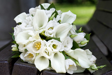 Bouquet of calla lilies and tulips flowers