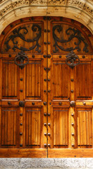 Detalle puerta del Palau de Mar i Cel en Sitges, Barcelona