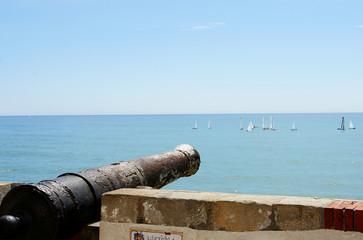 Cañón apuntando al mar de Sitges, Barcelona