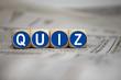 Würfel in Blau mit Quiz