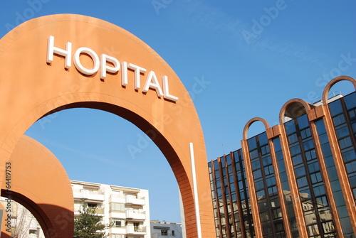 Leinwanddruck Bild Hôpital à Levallois-Perret, France