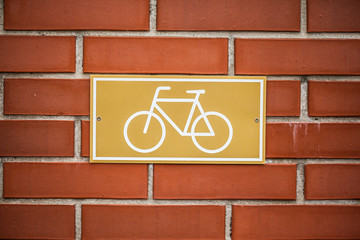 Bicycle lane sign indicating bike route