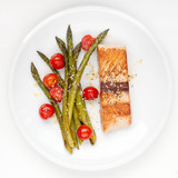 Salmon fillet with asparagus and cherry tomatoes