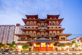 Singapore buddha tooth relic temple at dusk