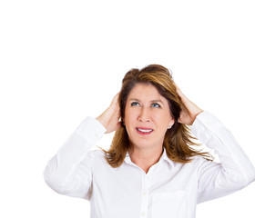 Intolerable noise upstairs gives headache to woman