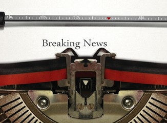 Typewriter with Breaking News