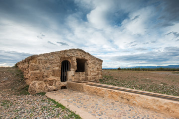 """Aljibe del """"Camino Real"""". En Sarrión (Teruel). España"""