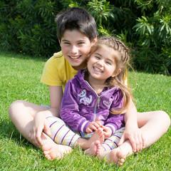 Bambini che sorridono insieme