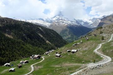 スイスアルプスのトレッキングコース