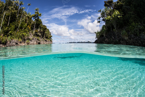 Foto op Plexiglas Indonesië Lagoon Sand and Sunlight 1